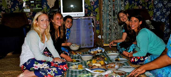 Social Science students Melissa Anderson, Camilla Greenbach, Kathleen Palmer and Mikaela Vournas in Fiji