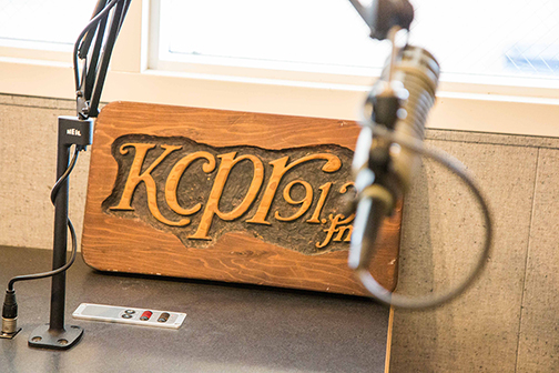 A KCPR 91.3 sign at the station on Cal Poly's campus.