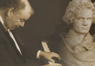 Photo of Pianist W. Terrence Spiller