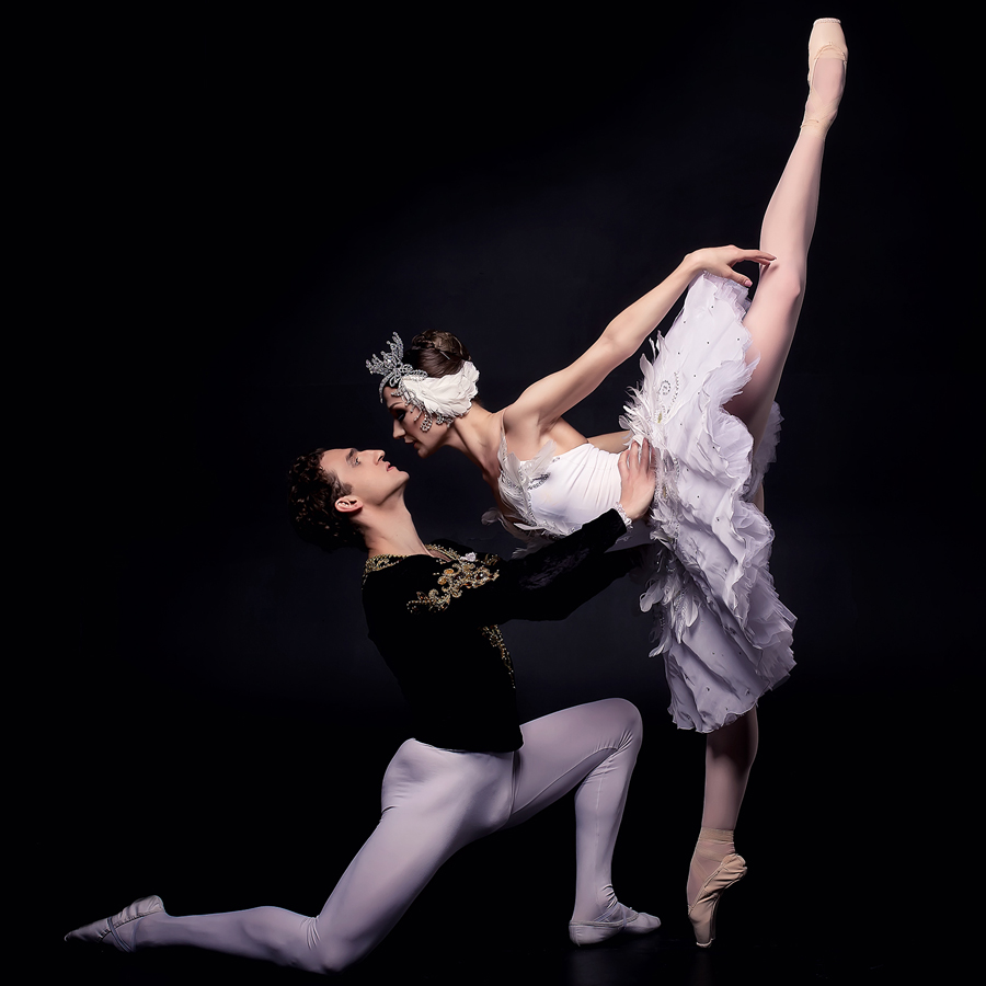 Promotional photo of ballet dancers for Swan Lake