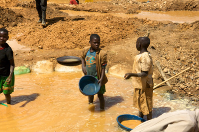 Child miners in eastern Congo