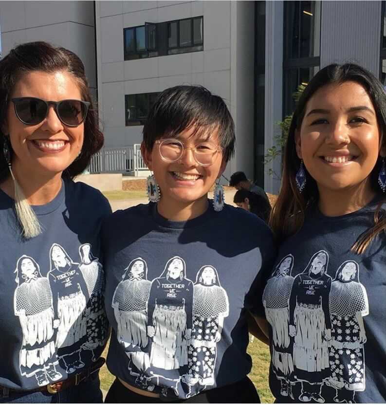 Picture of Indigenous professor with 2 students