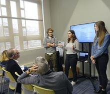 Students Present at Journalism Innovation Challenge