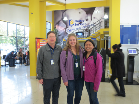 Dr. Keese and students in a Peruvian airport on their way to Cusco, Peru.